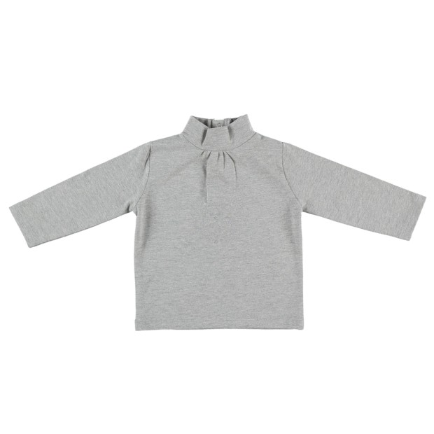 Long-sleeved turtleneck t-shirt